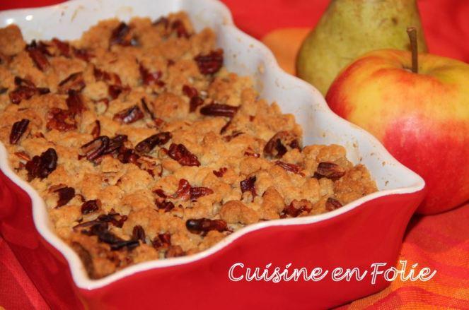 Crumble pommes-poires et noix de pécan